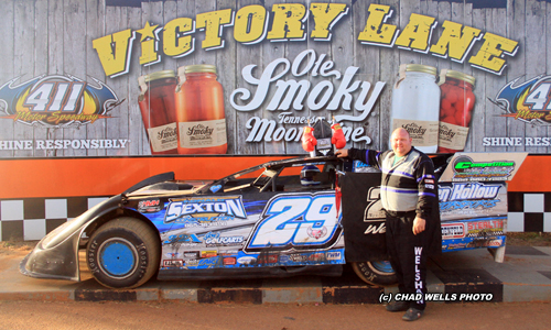 411 Motor Speedway SEYMOUR, TN (October 4) - Jason Welshan came into the day with 29 feature wins on the season. To get number 30 he would have to deal with ...